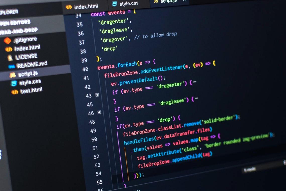 プログラミング学習が難しいと感じる理由「英語ばかりで嫌になる」